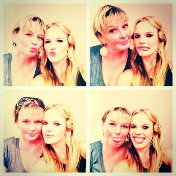 Anne V. spent time with her mom in Paris. Source: Twitter user AnneV