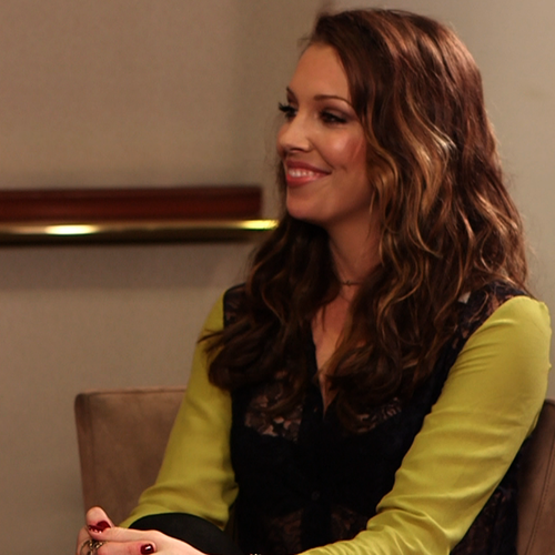 Katie Cassidy Interview About Arrow (Video)
