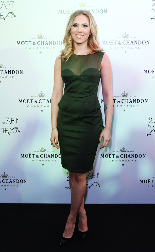 Scarlett Johansson posed at Moët & Chandon's anniversary party in Moscow.