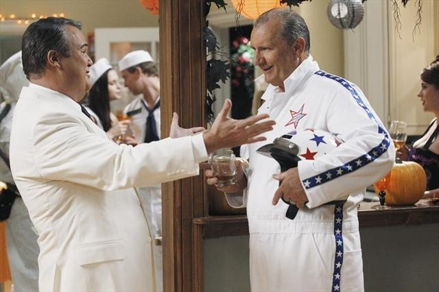Cam and Mitch throw a Halloween party on Modern Family.