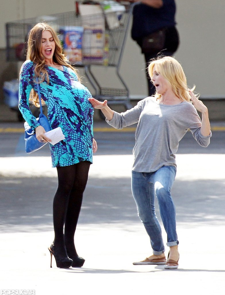 Sofia Vergara Goes Into Labor With Some Help From Julie Bowen