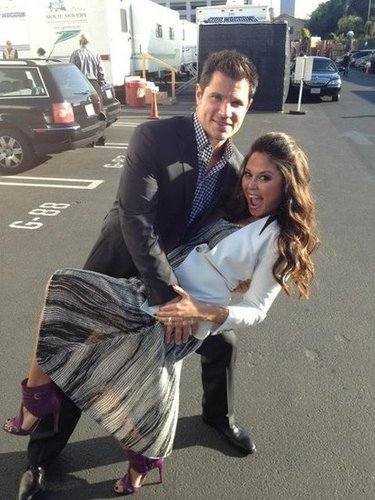 New parents Nick and Vanessa Lachey tangoed in the parking lot before heading in to watch DWTS in October. Source: Twitter user VanessaLachey