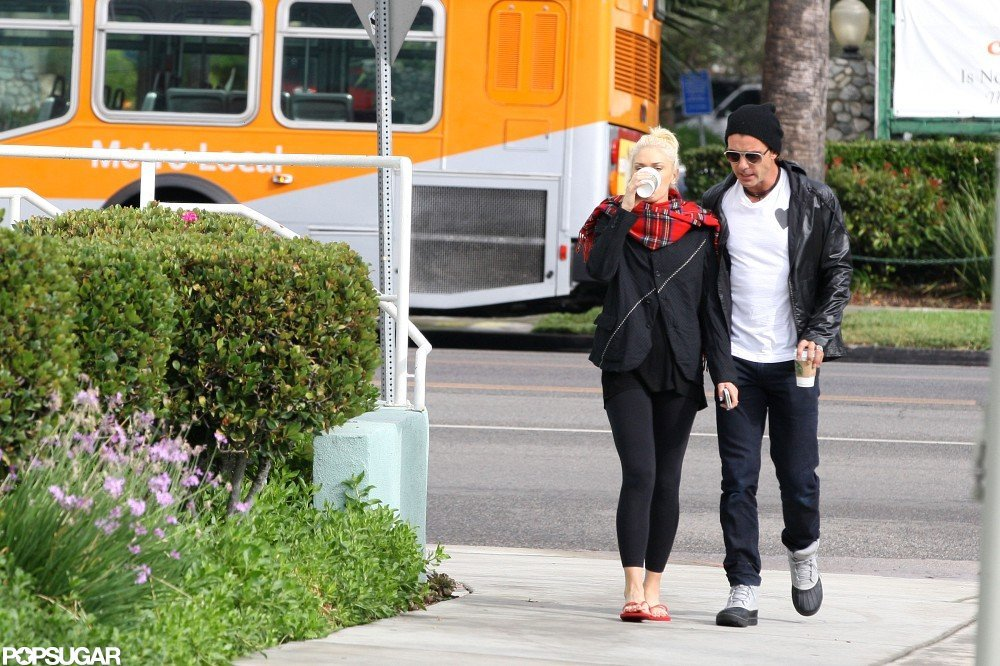 Gwen Stefani and Gavin Rossdale stuck together while making a Starbucks stop.