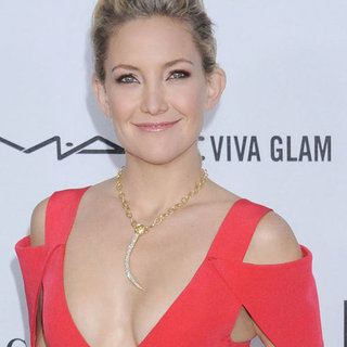 Kate Hudson and Sarah Jessica Parker at amfAR Gala