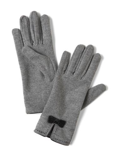 It's all in the details — the very, very feminine ones — with these Mod Cloth chilly weather love gloves ($20).