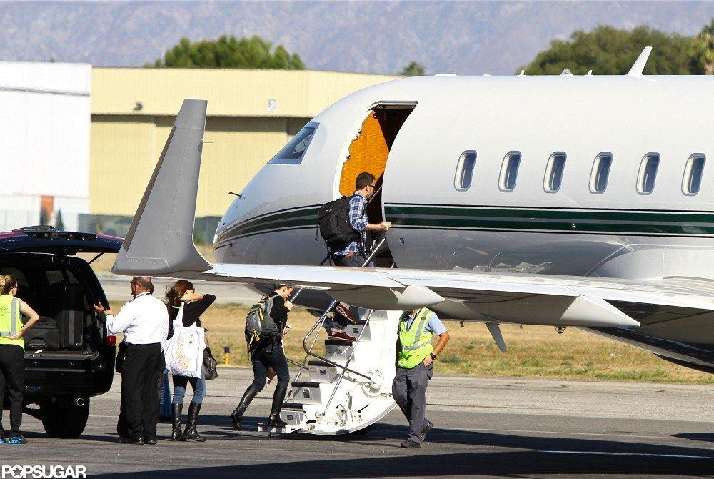 Ben Affleck and Jennifer Garner stepped onto a private plane together.