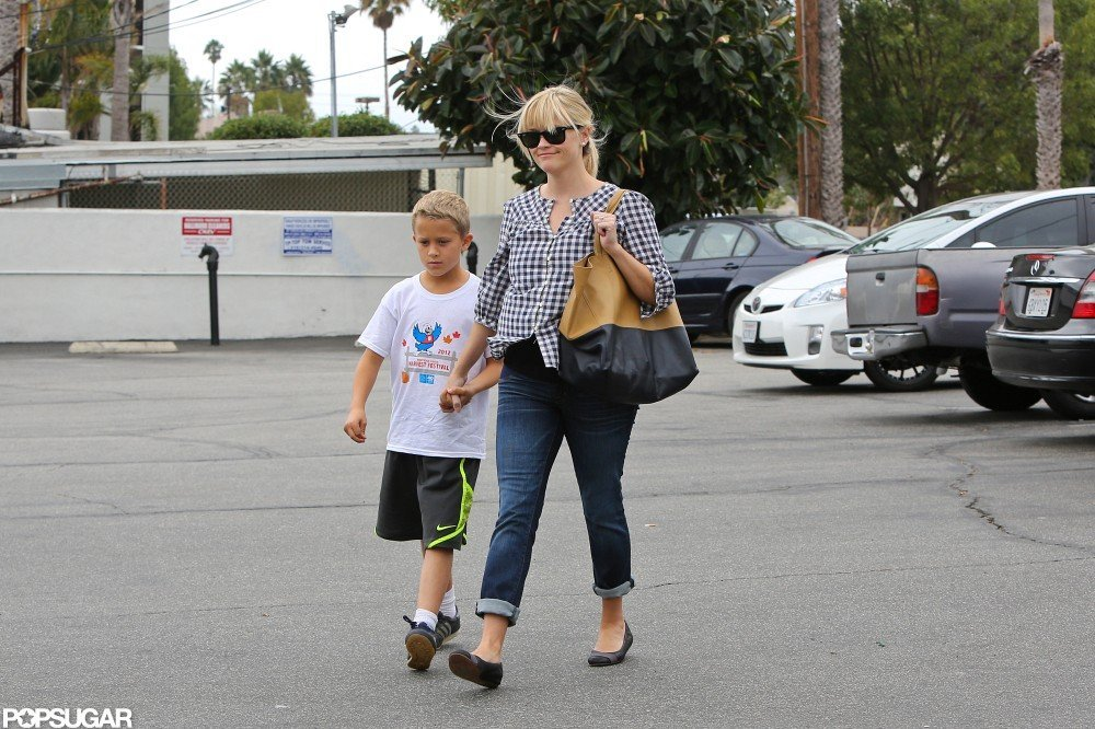 Reese Witherspoon Hangs With Deacon and Makes a Stop at Gap