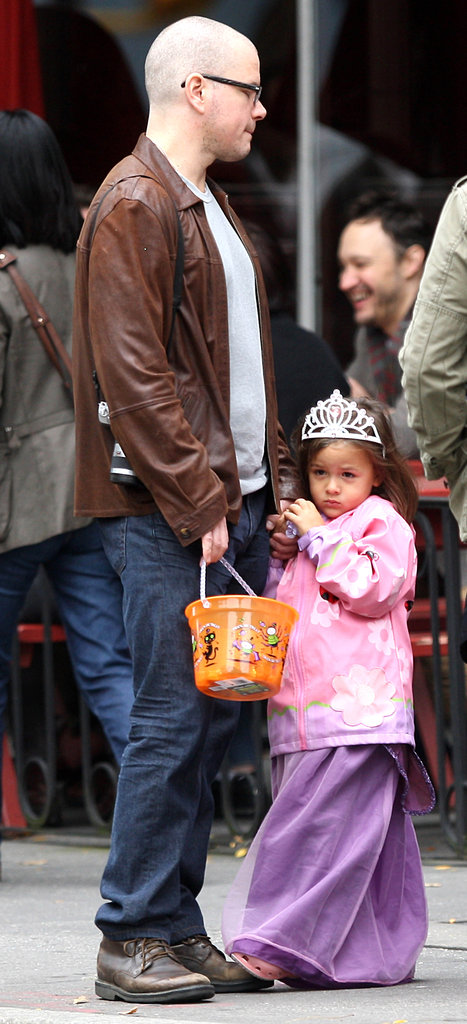 Matt Damon went trick-or-treating with his daughters.