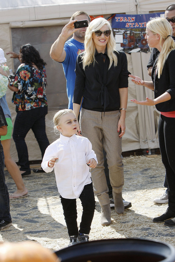 Gwen Stefani was all smiles as she showed Zuma Rossdale the pumpkin patch.