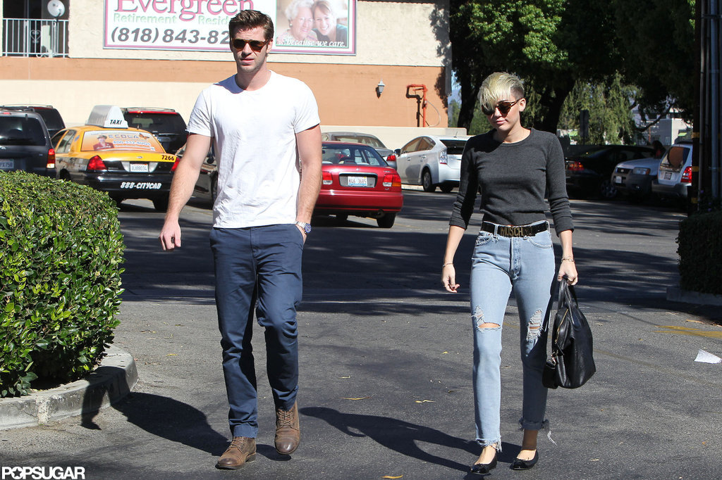 Miley Cyrus and Liam Hemsworth went to Starbucks together.