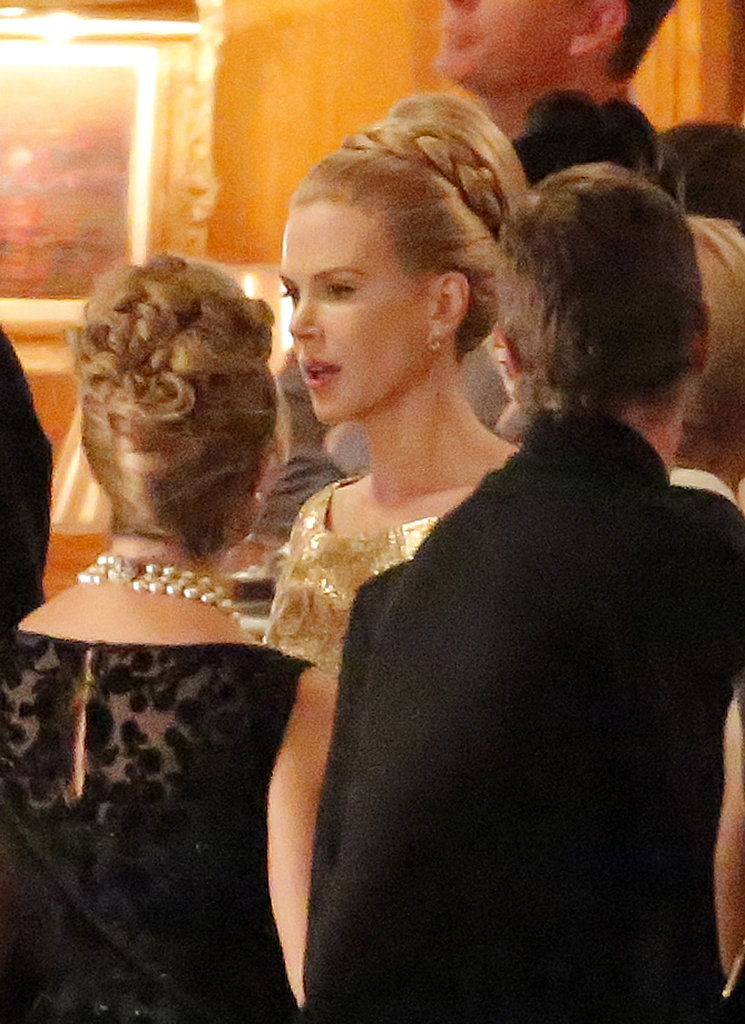 Nicole Kidman talked with crew members.