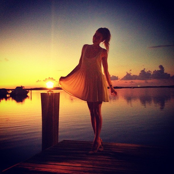 Jessica Hart danced on a pier during a beautiful sunset. Source: Instagram user 1jessicahart