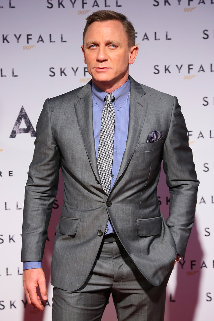 Daniel Craig tucked one hand in his pocket as he posed.
