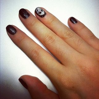 DIY Halloween Skull Manicure and Nail Art