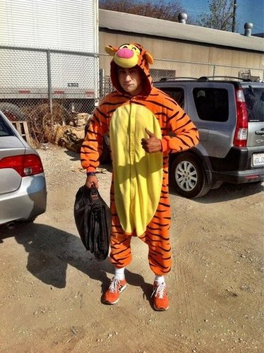 Kal Penn dressed as Tigger.  Source: Twitter user kalpenn
