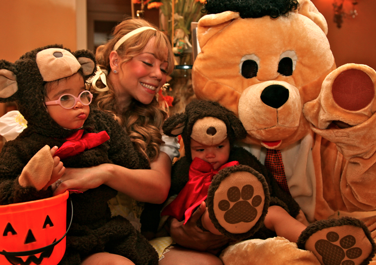Mariah Carey and Nick Cannon dressed their adorable twins, Moroccan and Monroe, in bear costumes for Halloween in 2012. Source: DemBabies.com