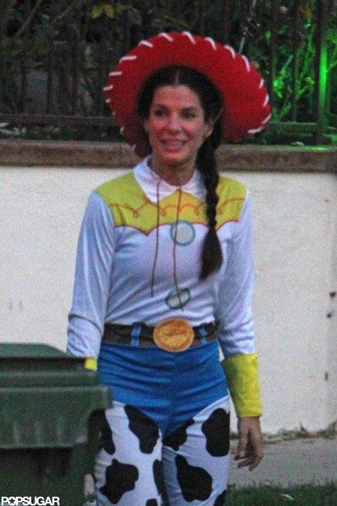 Sandra Bullock dressed as Cowgirl Jessie.