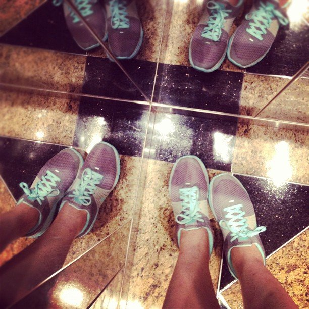 Optical illusion or a workout group headed out for a sweat session? Source: Instagram user jennifercwlee