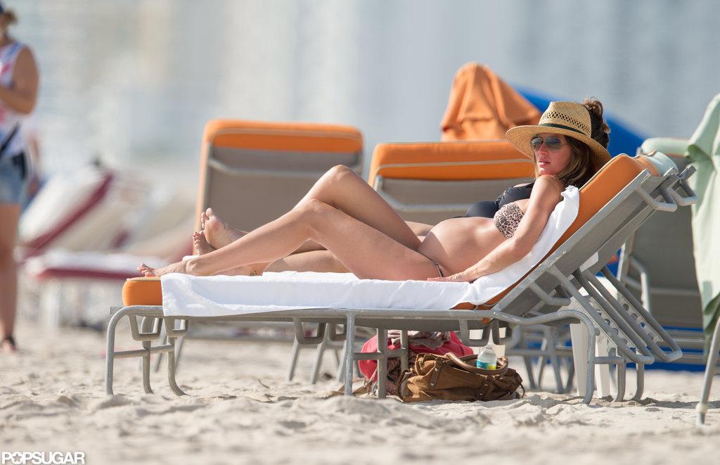 Pregnant Gisele Sports a Bikini and Enjoys Miami With Tom Brady!