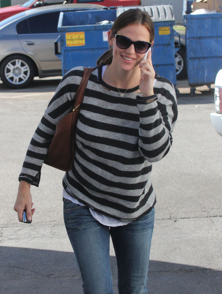 Jennifer Garner got her nails done.