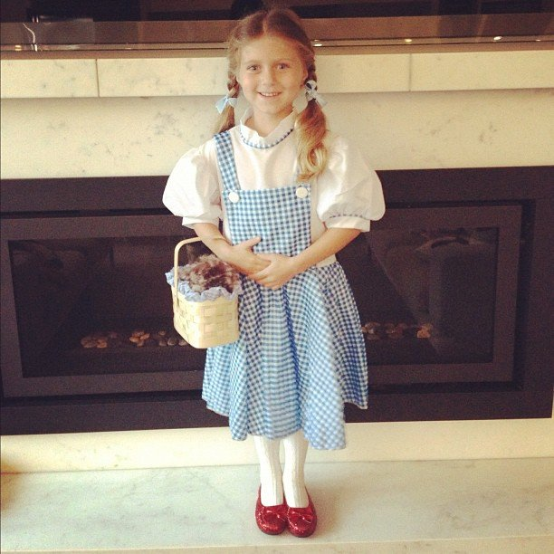 PopSugar kid Katie went off to see the wizard as Dorothy.