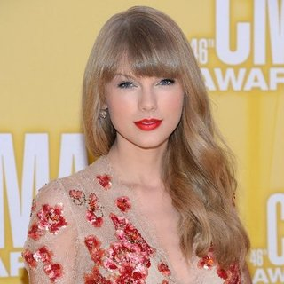 CMAs Celebrity Hair and Makeup | 2012