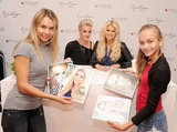 Jessica Simpson and Ashlee Simpson met with fans.