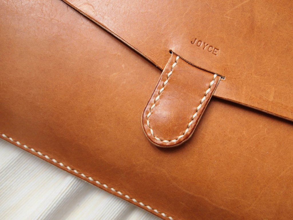 13-Inch Macbook Pro/Macbook Air Leather Case