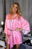 Doutzen Kroes rocked her pink robe before the show.