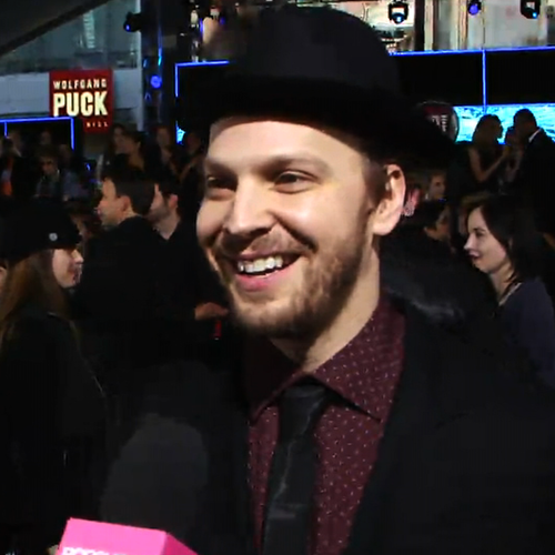 Gavin DeGraw American Music Awards Red Carpet | Video