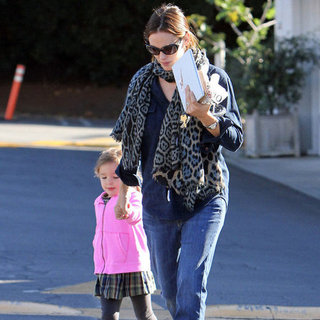 Jennifer Garner and Seraphina Holding Hands | Pictures