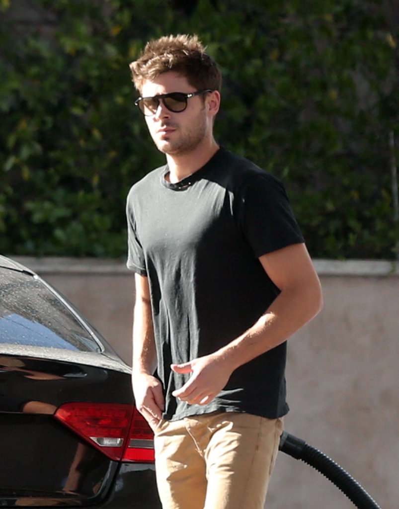 Zac Efron filled up his Audi.