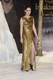 Kristen Gets Glam in Gold Alongside Taylor and Rob