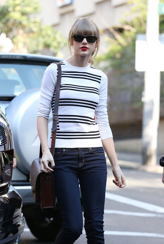 Taylor swift in sydney: first stop, breakfast!