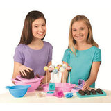 For 6-Year-Olds: Bakerella Cake Pops Ultimate Cake Pop Set