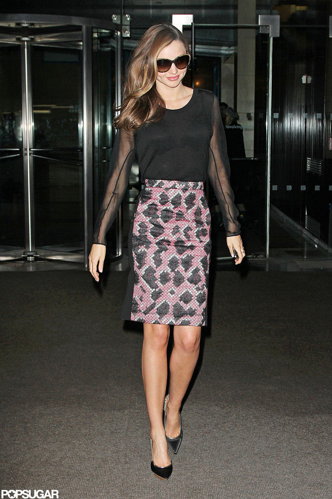 Miranda Kerr left an NYC building.