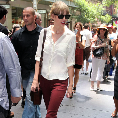 Taylor Swift looks good in Burgundy Denim in Sydney!