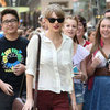 Taylor Swift Pictures Shopping in Sydney Followed By Fans