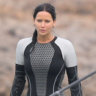 Jennifer Lawrence Filming Catching Fire Pictures (Video)