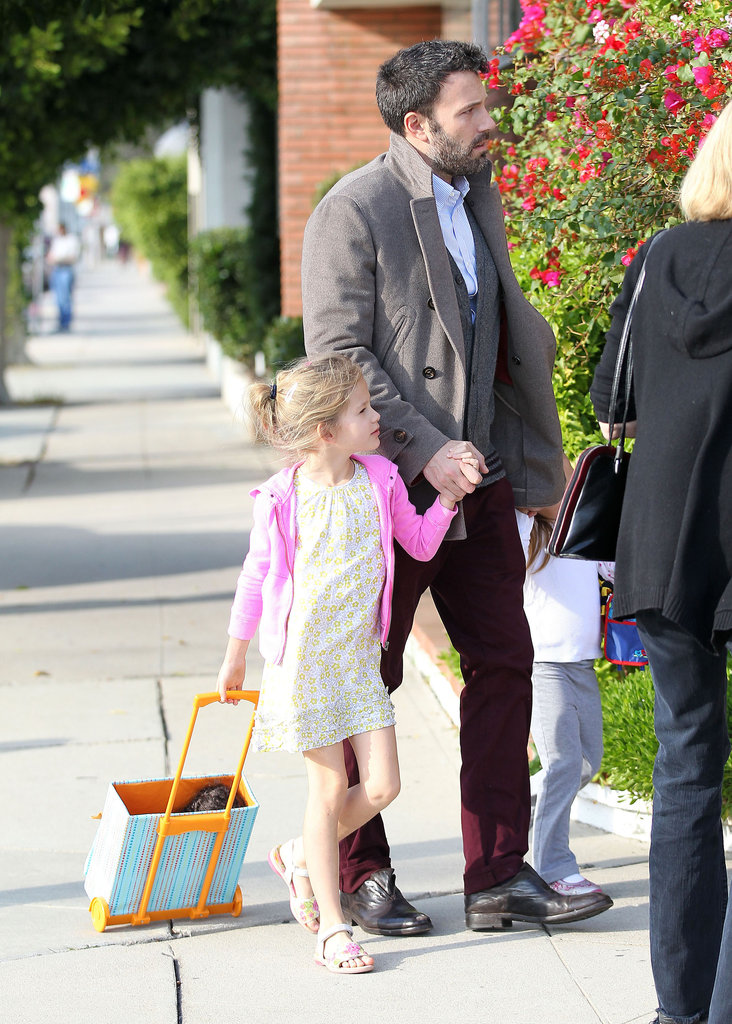 Ben Affleck was out with daughters Violet and Seraphina in LA.