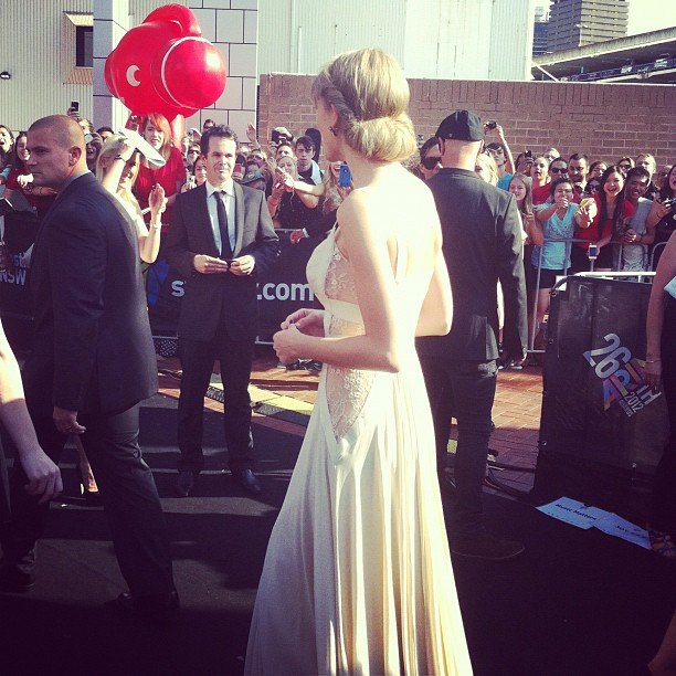 Jess snapped a model-esque Taylor Swift as she arrived at the ARIAs.