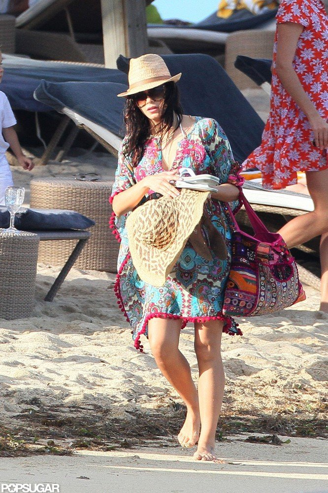 Jenna Dewan carried a hat.