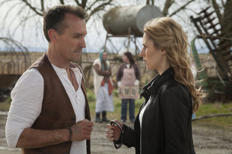 Robert Knepper and Alona Tal in Cult.