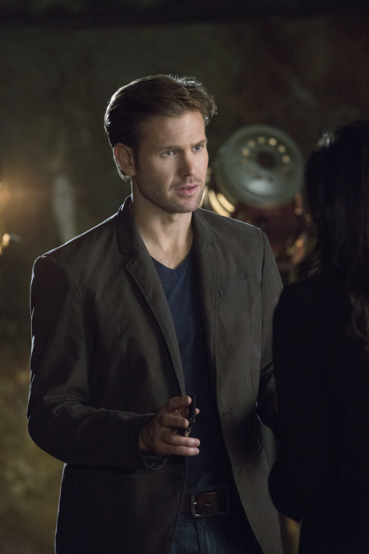 Matthew Davis in Cult.