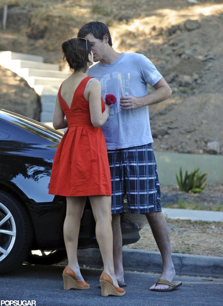 Zooey Deschanel kissed boyfriend Jamie Linden on an LA street in August.