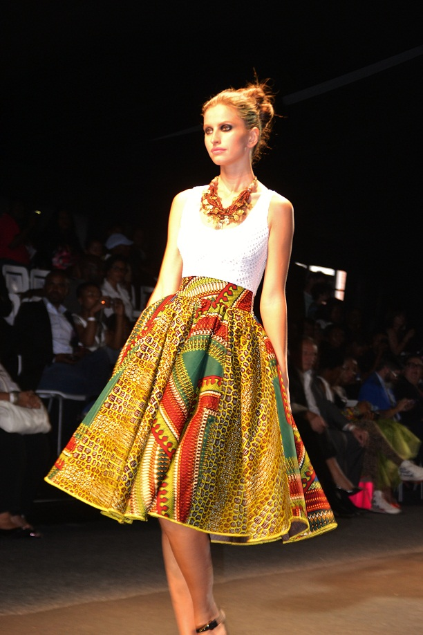 Fashionable african dresses African fashion designs pictures