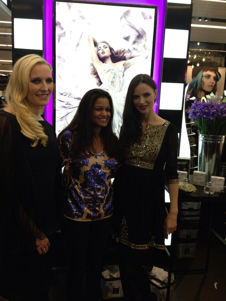 Marchesa designers Keren Craig and Georgina Chapman met fans at Sephora. Source: Twitter user MarchesaFashion