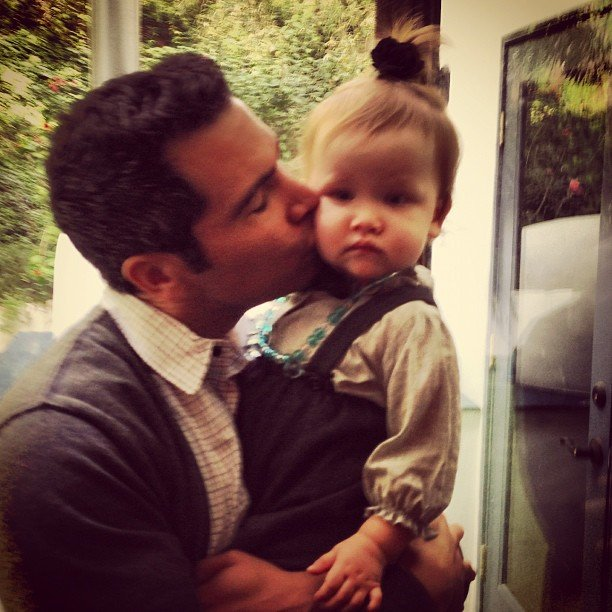 Haven Warren received some sweet kisses from her dad. Source: Instagram user cash_warren