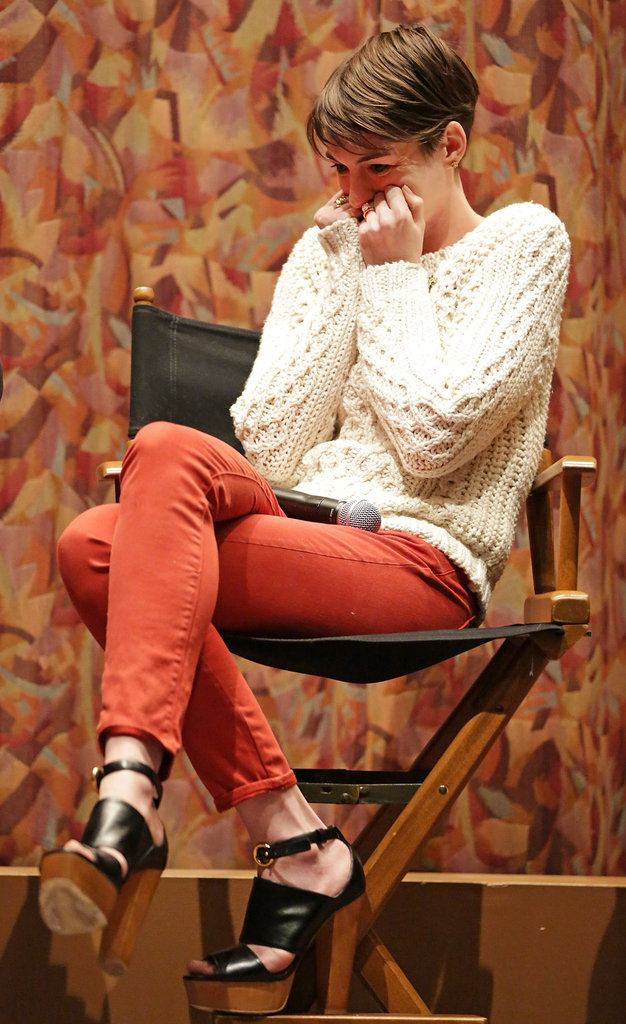 Anne Hathaway was emotional at a SAG screening for Les Misérables.