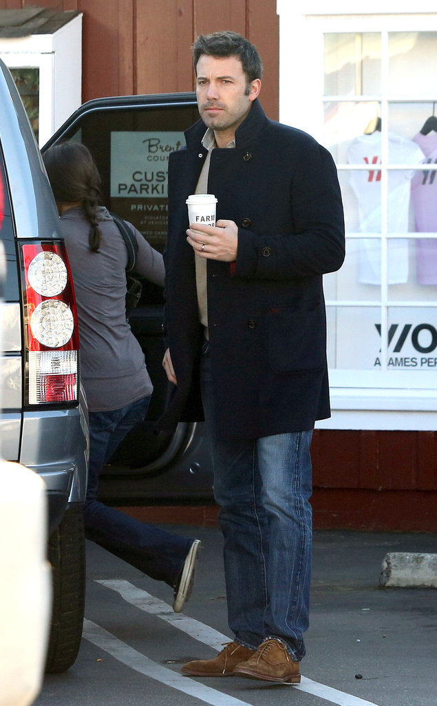 Jen and Ben Grab Coffee With the Kids in Separate Cities